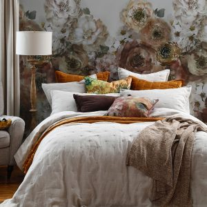 LAUNDERED LINEN Bedspread Set Natural and Accessories
